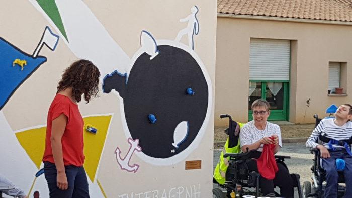 inauguration de la fresque faite par plusieurs résidents et salairiés
